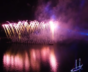 The grand fireworks | Geneva Lake | Projet Productions & Publicités